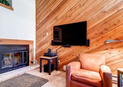 Winterpoint Townhomes by Ski Country Resorts