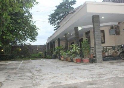 Wisma Mirah 1 Hotel Teras