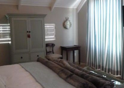 Worcester Cottage and Suite