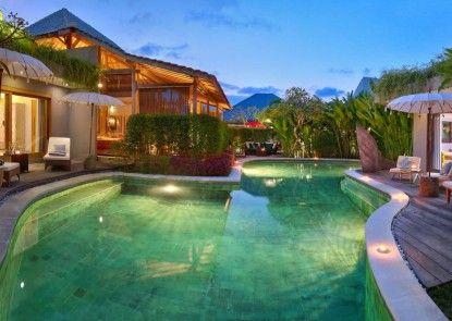 XXL Seminyak Sunset Boutique Villa Kolam Renang