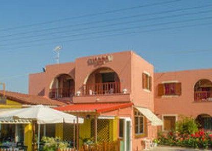 Yanna\'s Apartments Vacation Homes