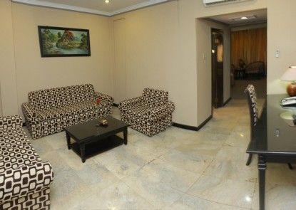 Yasmin Hotel Makassar Ruang Tamu
