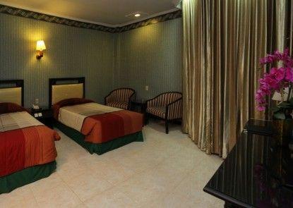 Yasmin Hotel Makassar Kamar Tamu