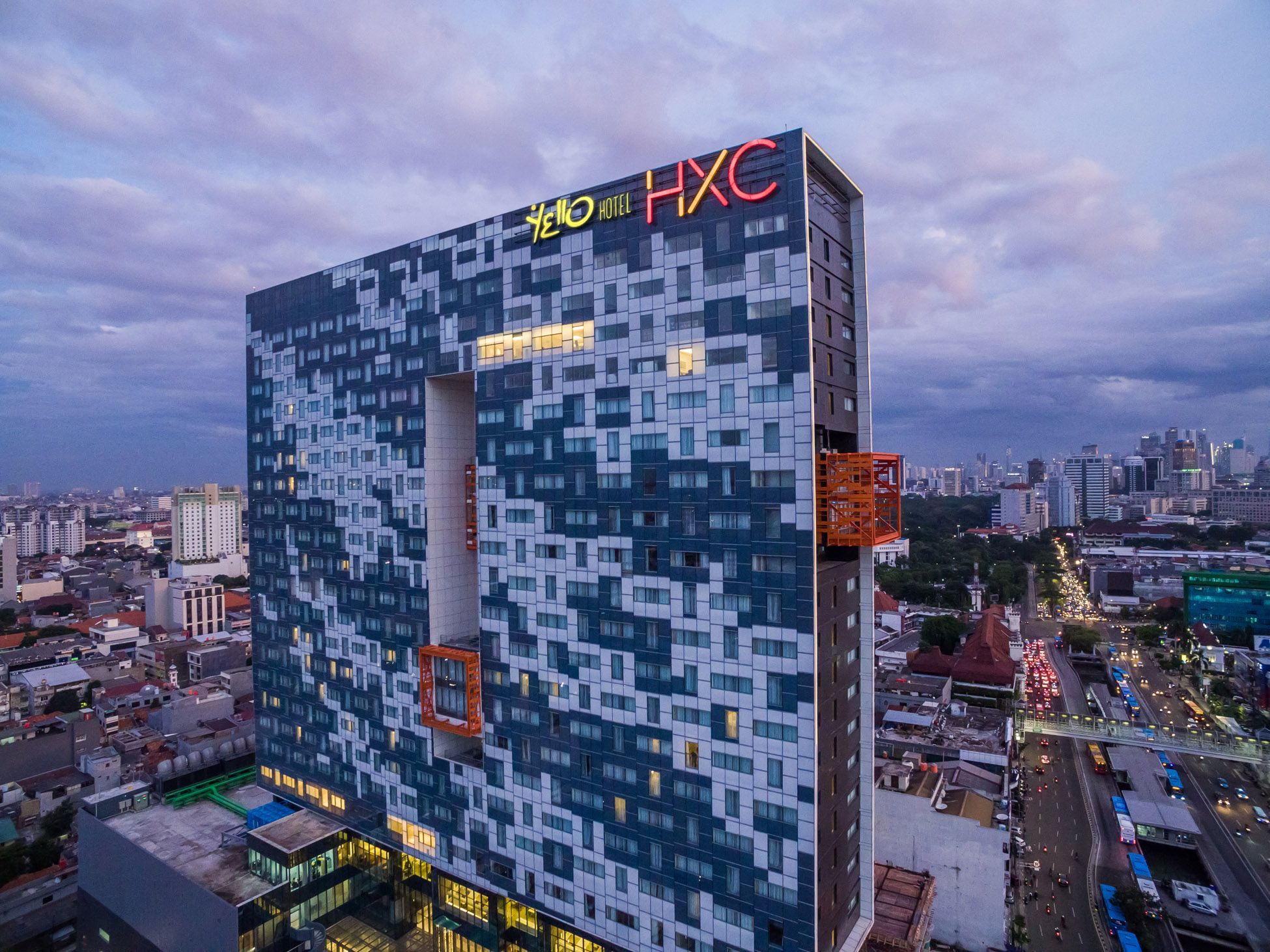 YELLO Hotel Harmoni, Jakarta Pusat