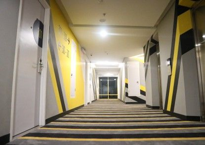 Yello Hotel Manggarai Interior