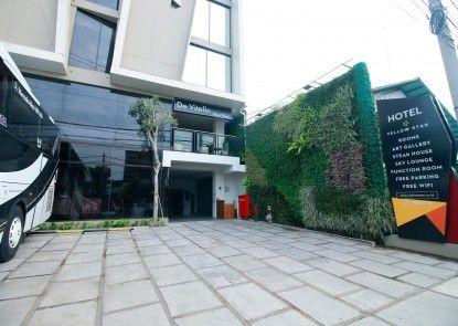Yellow Star Ambarrukmo Hotel Tempat Parkir