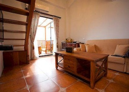 Yi-He Golden Homestay