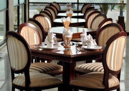 Yusro Hotel Teras
