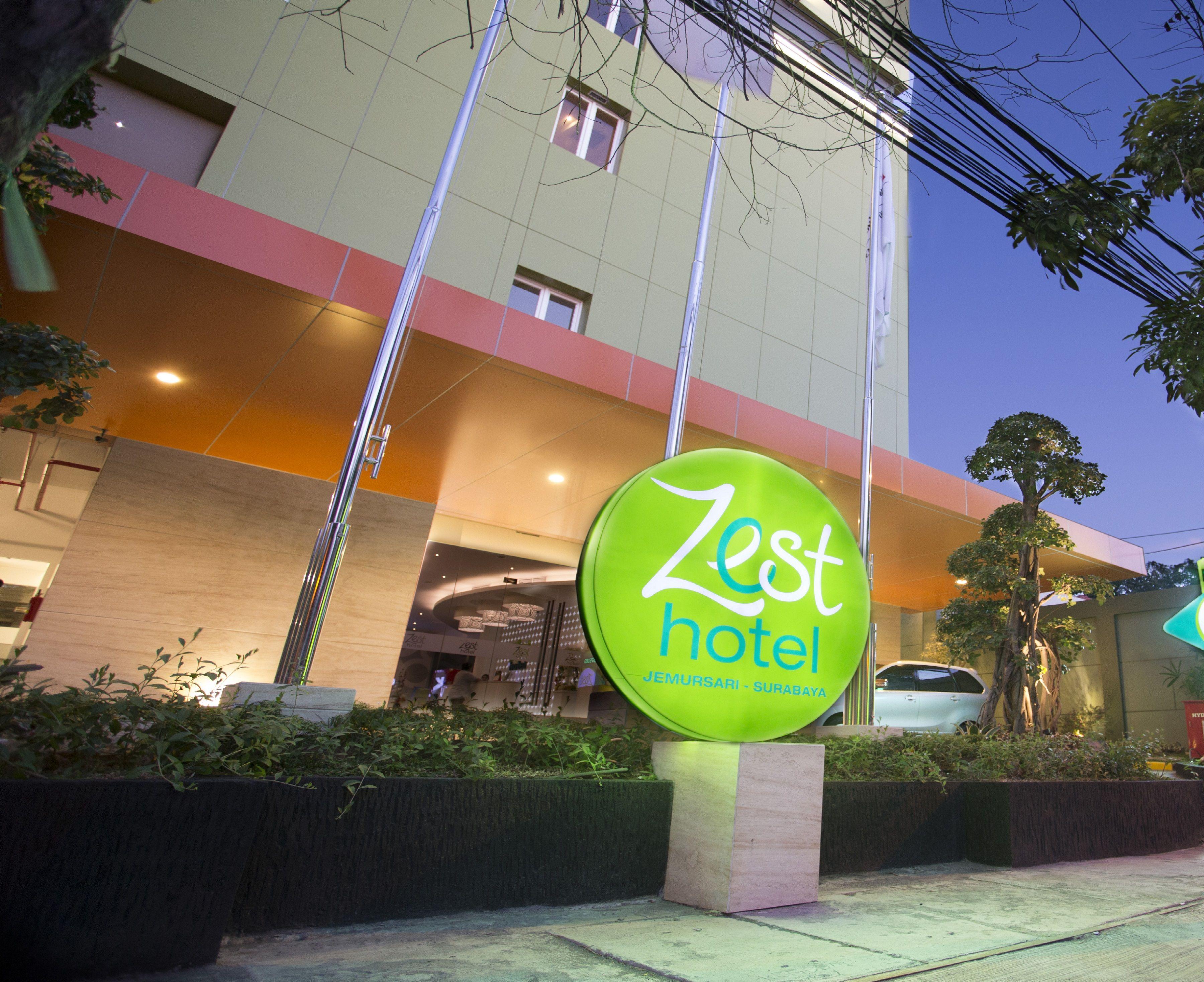 Zest Hotel Jemursari Surabaya, Surabaya