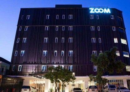 Zoom Hotel Jemursari Surabaya Eksterior