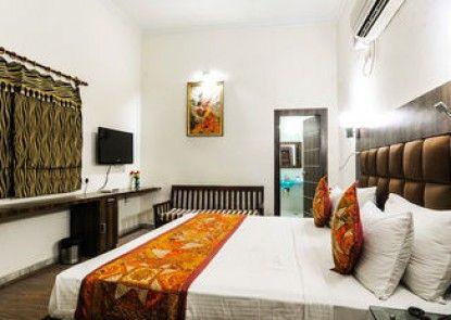 Zo Rooms VIP Road Kalakriti