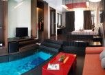 Pesan Kamar Emotion King Room Pool Access (1st Floor) di Z Through by The Zign