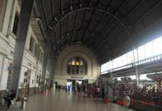 Pesan Tiket Kereta Api ke Jakarta - Jakarta Kota