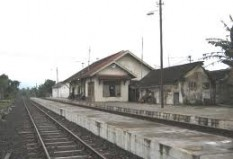 Objek Wisata Stasiun Leles