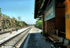 Pesan Tiket Kereta Api ke Nganjuk - Wilangan-invalid