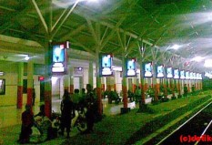 Pesan Tiket Kereta Api ke Surabaya - Wonokromo